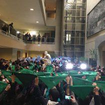 Diputadas presentan moción para despenalizar el aborto en Chile