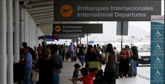 Gobierno anuncia rebaja en tasas de embarque: