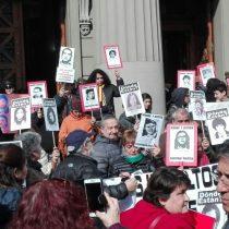 Agrupaciones de Derechos Humanos protestan por libertad a presos de Punta Peuco