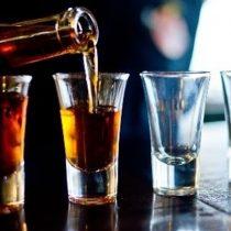 Científicos de la U. de Chile crean spray nasal para el tratamiento del alcoholismo