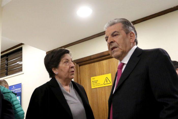 Caso Castillo: Carmen Frei evita polemizar por silencio del ex Presidente y dice que no es portavoz de su hermano