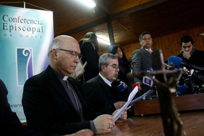 Se demoraron y les costó: obispos finalmente pidieron perdón por los abusos de la iglesia