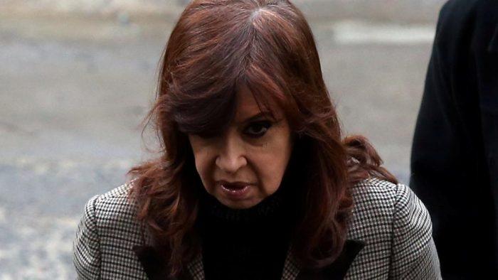Tribunal rechaza aplazar el primer juicio por corrupción contra expresidentaCristina Fernández
