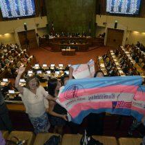 """Identidad de género en horas clave: Senado vota hoy el proyecto y anuncian protesta con """"pañuelos rosados"""""""