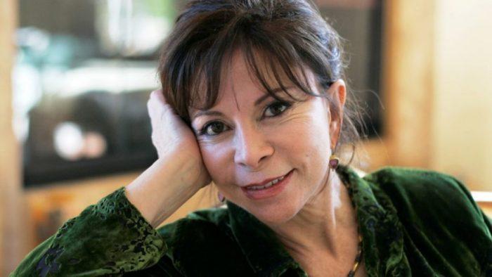 Isabel Allende, la primera autora en español que recibe el Premio Nacional de Literatura de EEUU