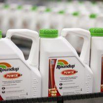 Autoridades chilenas en alerta por peligroso herbicida cuestionado en caso Bayer-Monsanto