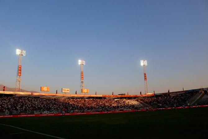 Hinchas de Colo Colo arrasan con las entradas para el partido por la Copa Libertadores
