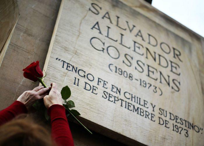 """PS se indignó con Piñera por dichos sobre Allende y lo acusa de ser el """"líder de los cómplices pasivos"""""""