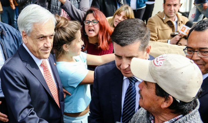 Agosto negro para Piñera según Adimark: Rechazo ya empata a la aprobación