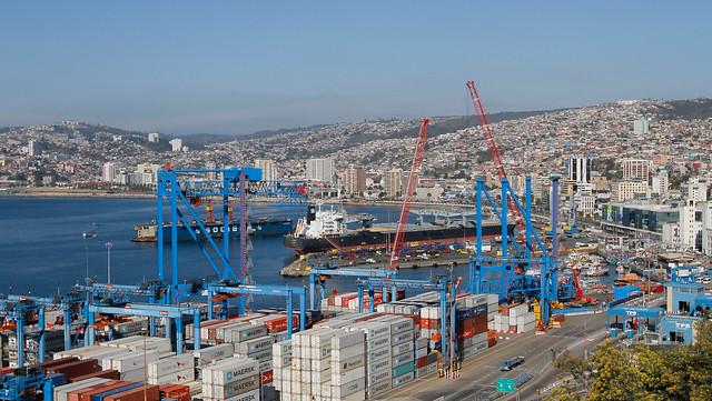 Trabajadores de empresa naviera Humboldt aprueban huelga por amplia mayoría