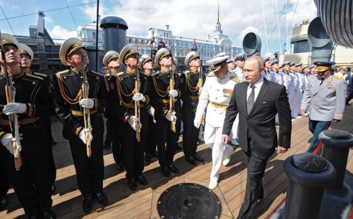 Rusia anuncia las mayores maniobras militares desde la época de la ex URSS
