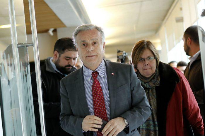 """""""Tirón de orejas"""": Consejo para la Transparencia responde al ministro Santelices por el episodio de las acciones de Sonda"""