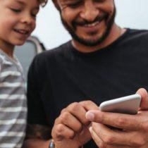 Family Link, la polémica app de Google que permite a los padres controlar el celular de sus hijos minuto a minuto
