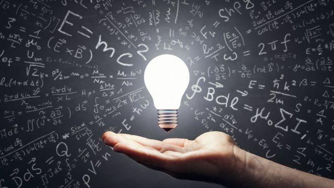 """Hipótesis de Riemann: Michael Atiyah, el """"genio"""" de 89 años que asegura haber resuelto uno de los mayores problemas matemáticos de la historia"""