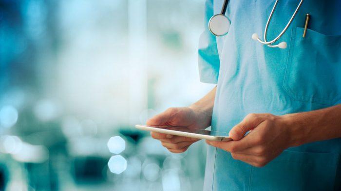 Chile sigue enfermo: cae 23 puestos en índice de salud mundial