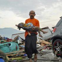 Al menos 384 muertos por terremoto y el tsunami en Indonesia