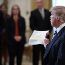 Trump insta al Departamento de Justicia a desenmascarar al autor de artículo
