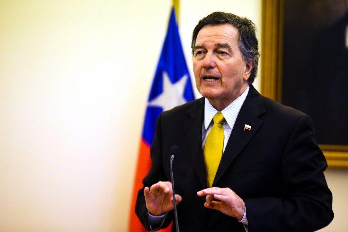 Ampuero confirma visita a Chile de Mike Pompeo