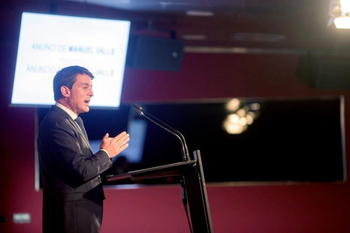 Ex primer ministro francés Valls será candidato a alcaldía de Barcelona