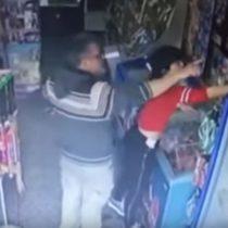 Y lo seguía negando: indignación en Argentina por hombre que abusa descaradamente a una vendedora