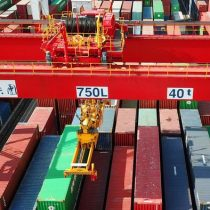 China espera que su comercio exterior crezca pese a guerra comercial con EEUU