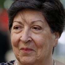 Carmen Frei sin pelos en la lengua: no le gusta la cercanía de su hermano Eduardo con Piñera