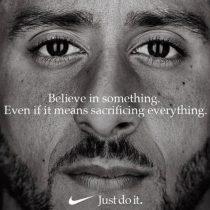 Trump arremete contra publicidad protagonizada por deportista ícono de la lucha contra el racismo