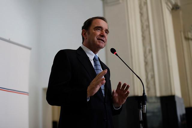Ministro de Justicia le abre la puerta a la sanción al negacionismo, pero sin penas de cárcel