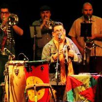 Joe Vasconcellos y su banda sufren accidente de bus en el sur del país