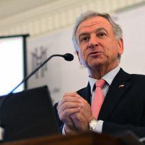 Felipe Larraín optimista con cifras económicas pese a fuerte contracción en minería