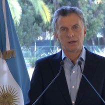 Macri a lo Piñera: culpa al gobierno anterior y se victimiza para enfrentar crisis económica en Argentina