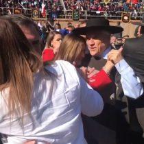 Mientras Quintero sigue en crisis, Piñera baila ranchera en San Carlos
