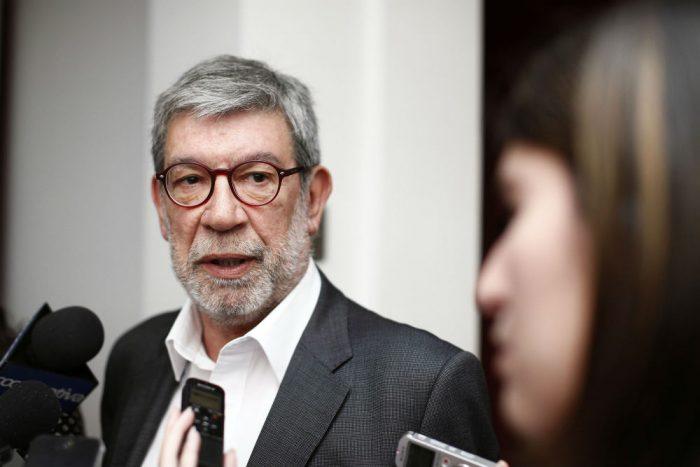 """Marcelo Schilling defiende su quiebre del pareo: """"Ayudar a que haya algo de justicia en DDHH bien vale cualquier precio"""""""