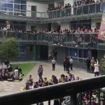 El emotivo homenaje a Los Prisioneros realizado por escolares