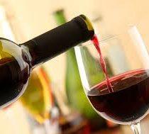 Una copa de vino al día solo es recomendable para algunos