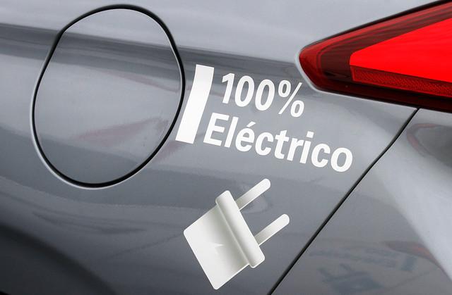Vehículos eléctricos catapultarían demanda de cobre de aquí a una década