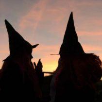 Halloween: cuál es el origen de la centenaria tradición que mezcla hogueras, calabazas y caramelos