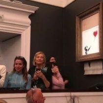 """Banksy: qué se sabe de la mujer que compró """"Girl with Balloon"""" y qué va a hacer con la obra"""