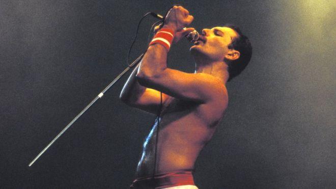 Por qué la voz de Freddie Mercury, cantante de Queen, era tan especial (según la ciencia)