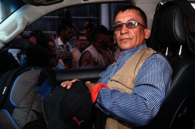 Caravana de migrantes: Bartolo Fuentes, el hombre que Honduras señala como el promotor de la gran marcha a Estados Unidos
