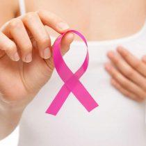 Para detectar el cáncer de mama también hay que autoexplorar las axilas