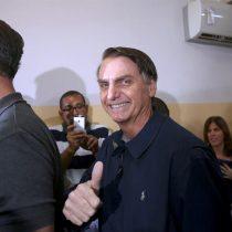 José Antonio Kast y Manuel José Ossandón descorchan la champaña por la votación de Bolsonaro en Brasil