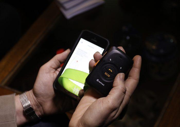 """""""SOS Mujer"""": El dispositivo de emergencia que ayuda en caso de violencia en Peñalolén"""