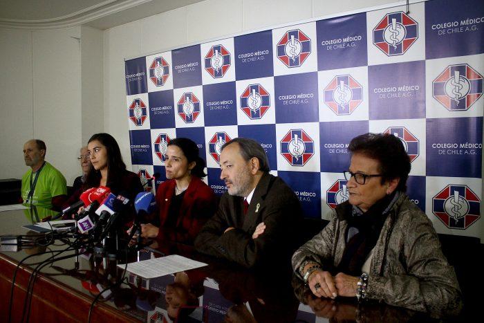Colegio Médico presenta reclamo ante Contraloría por límite de venta de talonarios de licencias médicas impuesto por el Minsal