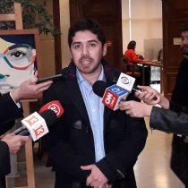 Diputado Juan Santana critica a Piñera por Aula Segura: