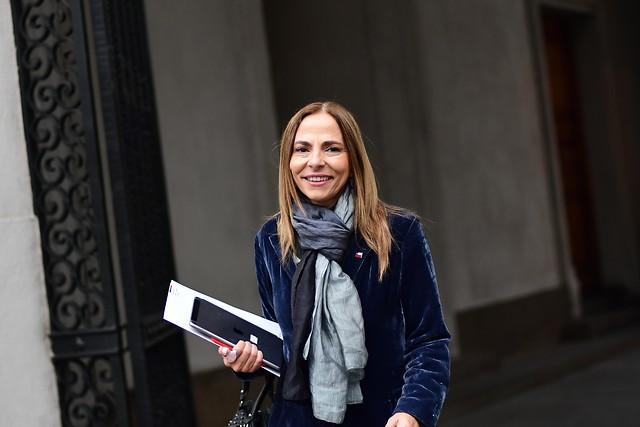 """Ministra Plá descarta solicitar a Metro incorporar carros solo para mujeres: """"El método es la denuncia"""""""