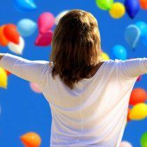42% de los chilenos se considera feliz hoy y el 58% cree que lo será en el futuro