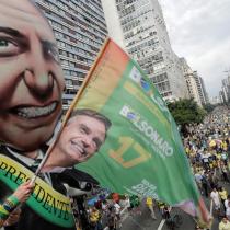 Bolsonaro a todo Trump: ultraderechista queda como el gran favorito para la segunda vuelta en Brasil