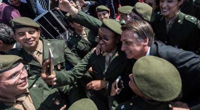 Los militares brasileños descubren el juego electoral: el pasado (no) me condena