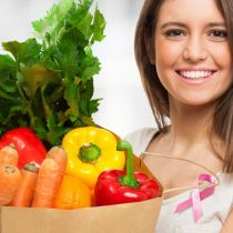 Cáncer de mama: comer más de cinco porciones de frutas y vegetales al día disminuye el riesgo de desarrollar la enfermedad